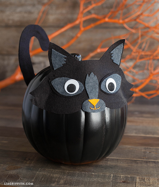 felt kitty pumpkin