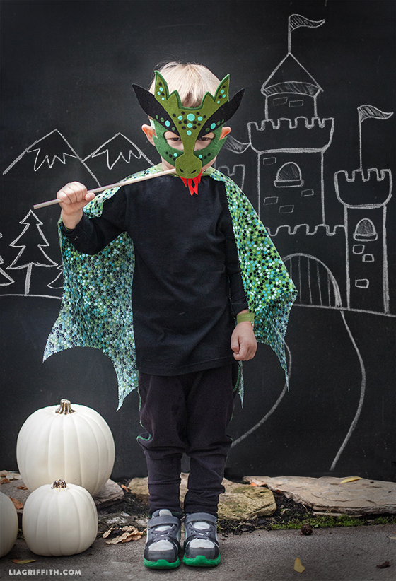 Felt_No_Sew_Dragon_Costume_DIY & Homemade Halloween Costume - No sew dragon mask