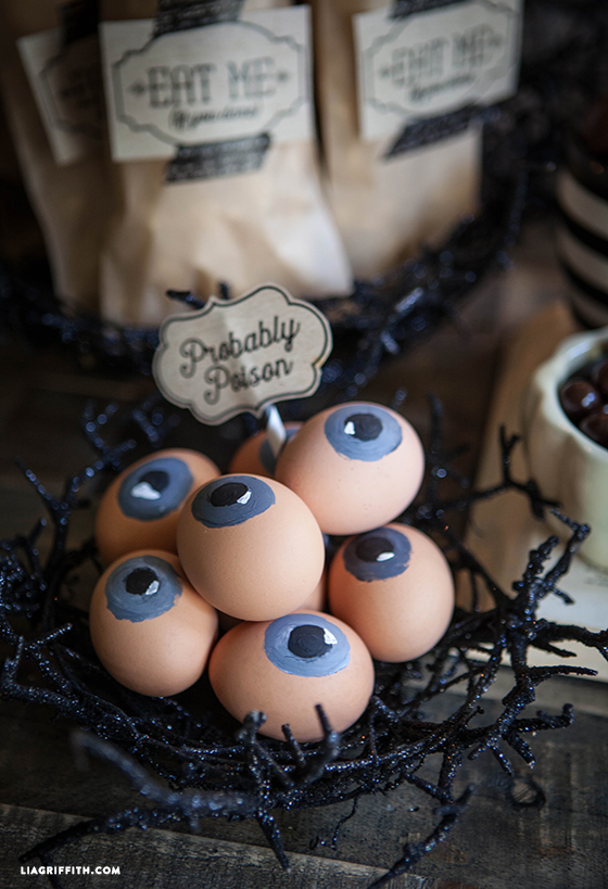 Halloween_Party_Eyeball_eggs