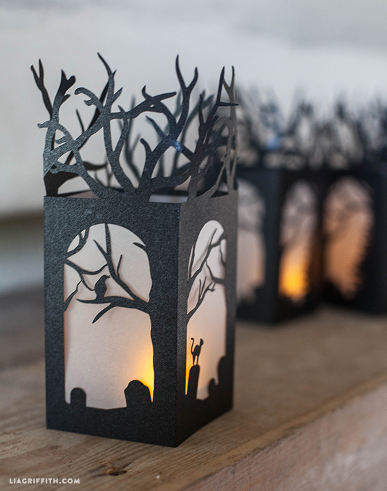 DIY paper lantern for Halloween