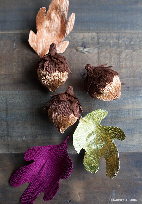 Crepe_Paper_Acorns_Fall_Leaves