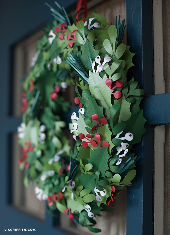 DIY_Paper_Christmas_Wreath