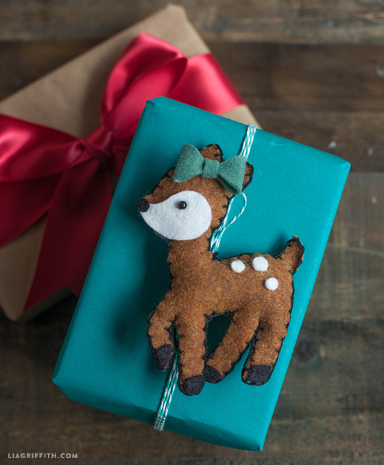 Diy deer felt christmas ornaments lia griffith feltdeergifttopper solutioingenieria Gallery