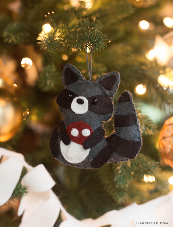 Felt_Raccoon_Ornament