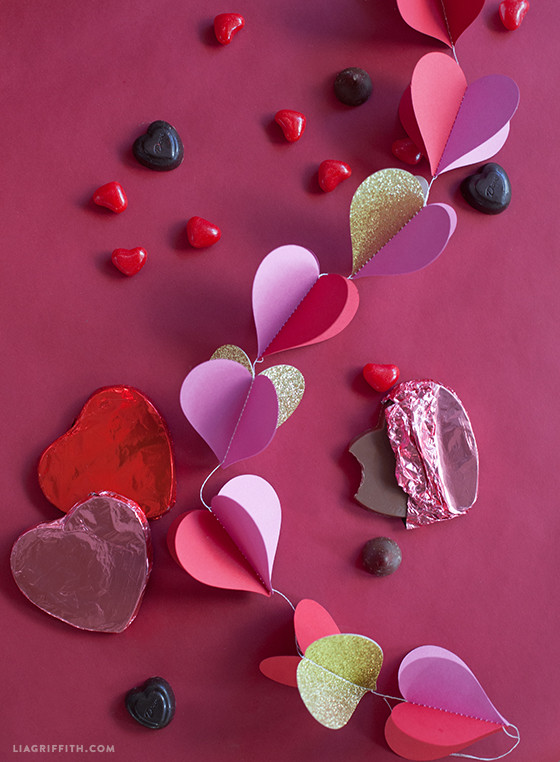 Paper_Heart_Garland_DIY
