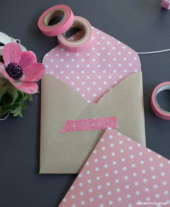 DIY_Valentines_Card_Envelope