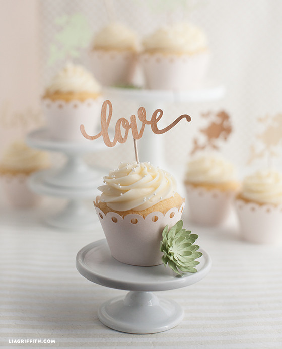 Cupcake Ideas For Wedding: DIY Wedding Cake And Cupcake Topper