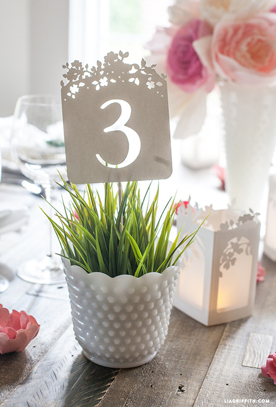 Table_Numbers_Paper_Cut