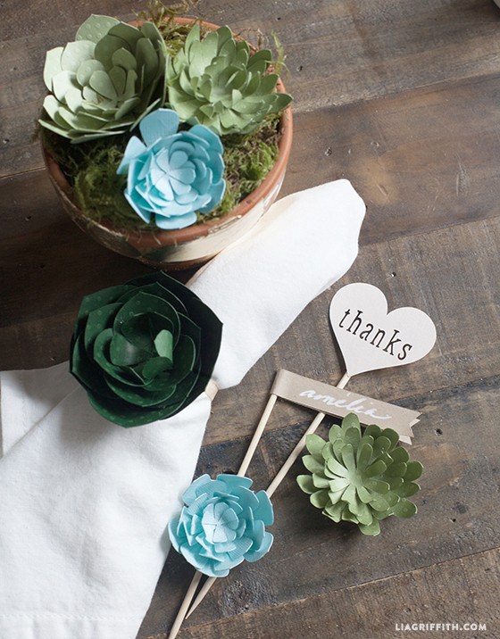 Wedding_Paper_Succulents