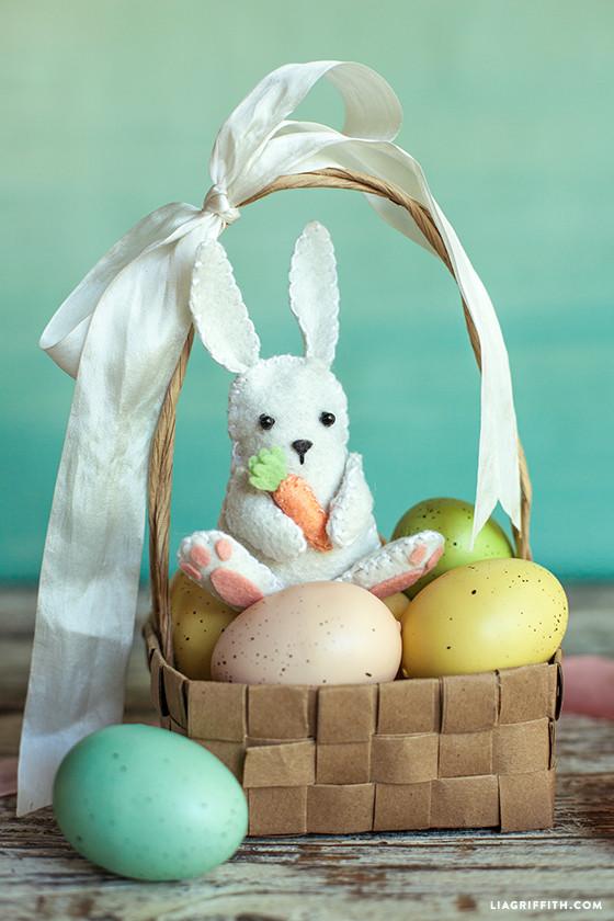 Felt_Easter_Bunny_DIY