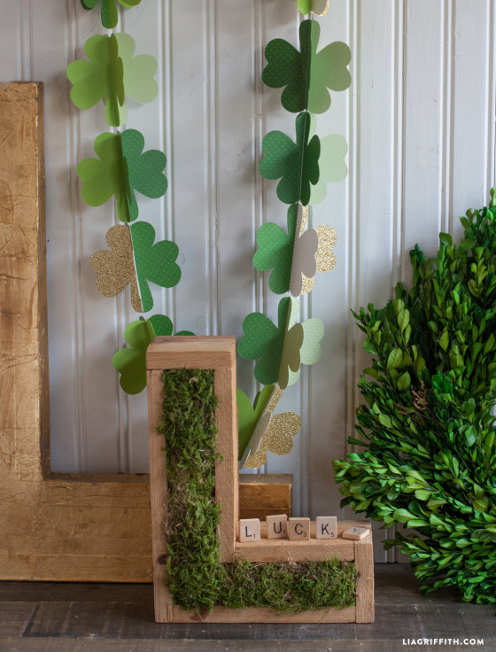 Shamrock_Garland_DIY