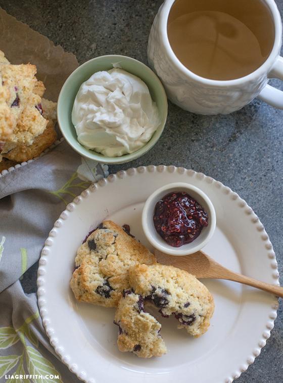 GlutenFree_Bluebery_Scones_Tea