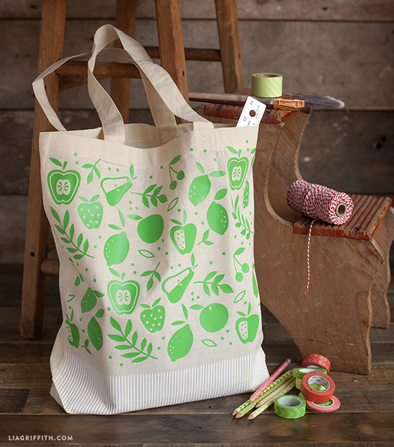 One_Tone_Apple_Tote_Bag