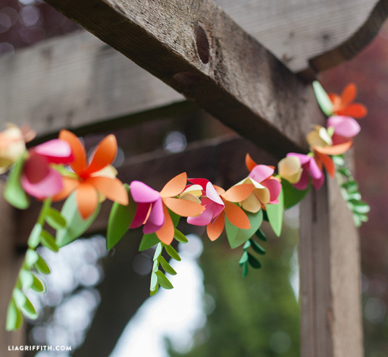 Summer_Garland_Paper_Flowers