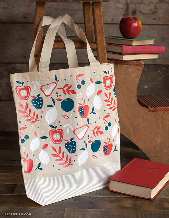 Three_Tone_Apple_Tote_Bag