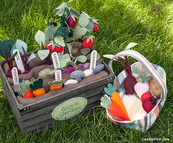 Felt_Vegetabpe_Garden_For_Kids_DIY