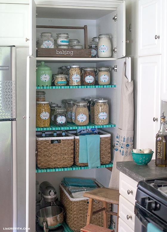 Kitchen_Pantry_Organized