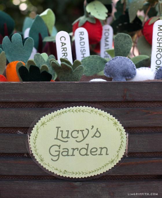 Signs_Felt_Garden