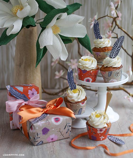 Gift_Wrap_Cupcake_Wraps