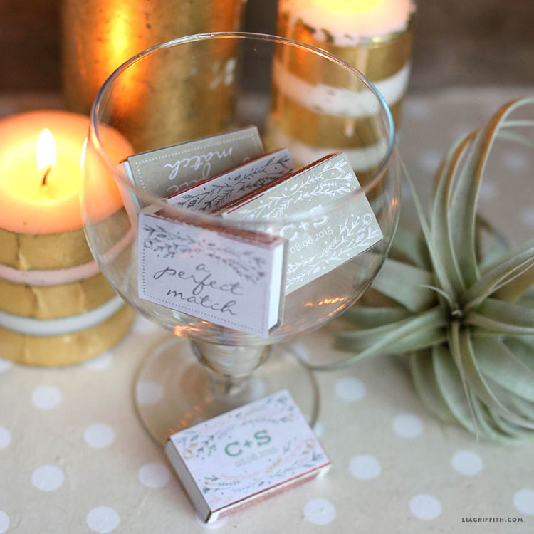Diy Personalized Wedding Gifts: Personalized Wedding Matchbox Favors