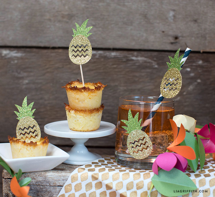 Luau_Party_Pineapple_Decorations