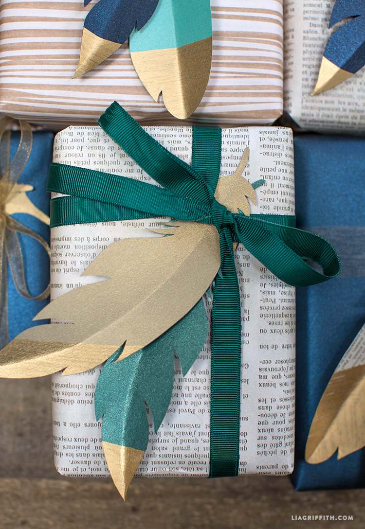 Paper_Feather_Gift_Toppers