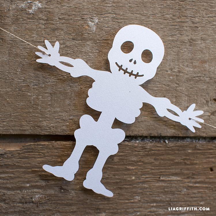 Bones_Garland