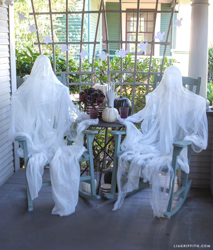 Dark_Halloween_Foam_Head_Muslin_Ghosts