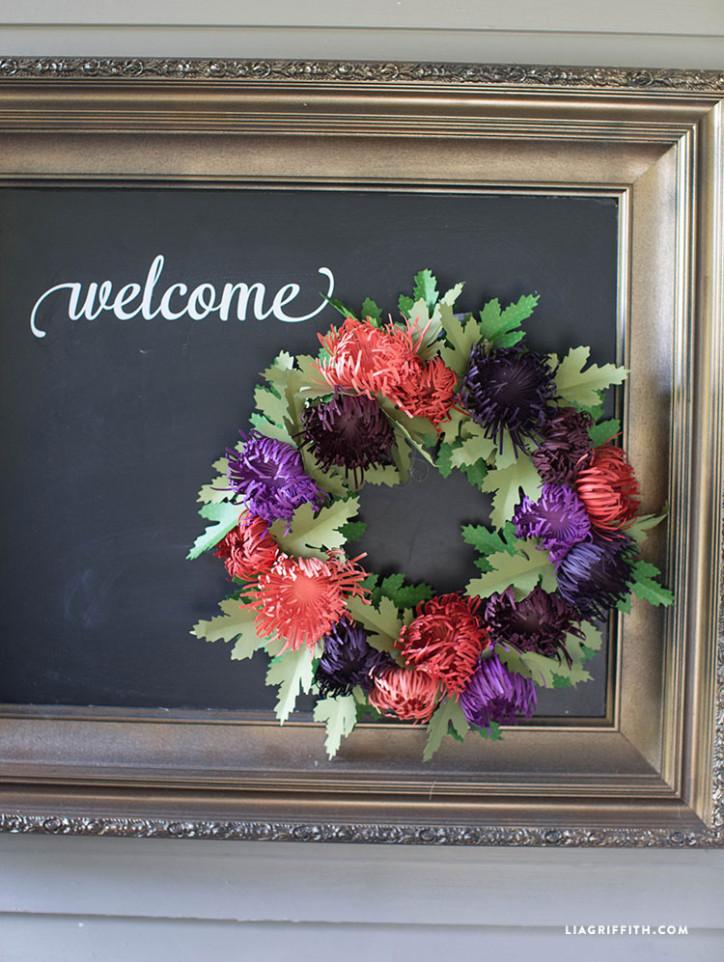 Fall_Spider_Mum_Wreath