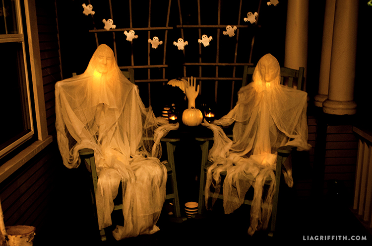 Foam_Head_Muslin_Ghosts_Dark_Halloween