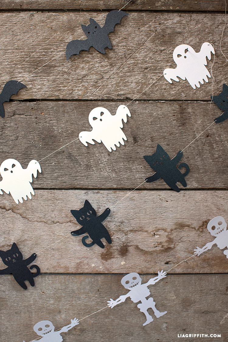 Halloween_Garland_Papercut