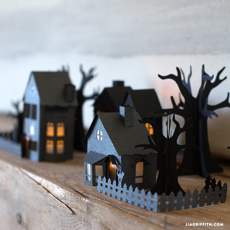 3D Paper Haunted VillageLia Griffith