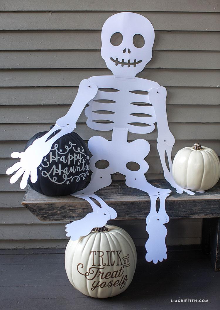 Mr_Paper_Bones_Huge_Halloween
