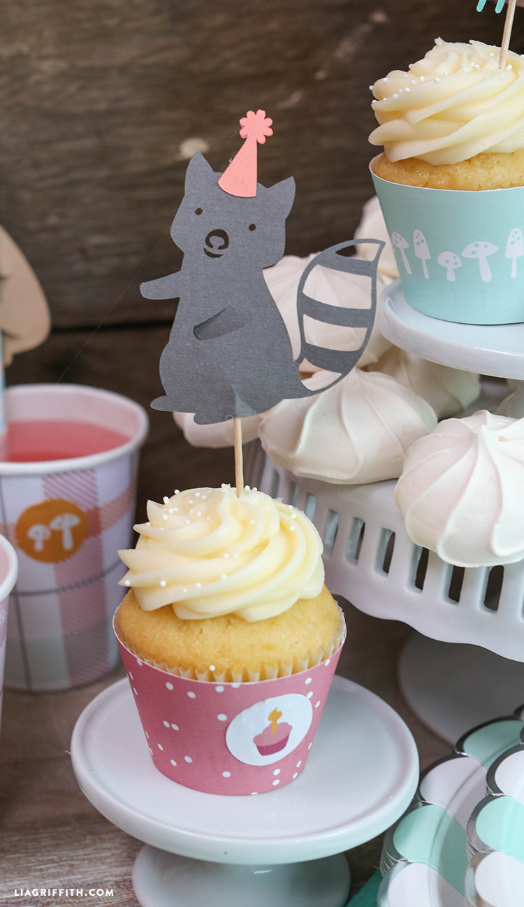 Raccoon_Cupcake_Topper