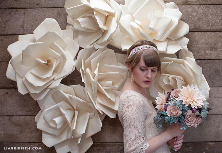 Video tutorial jumbo paper flower wedding backdrop lia griffith an error occurred mightylinksfo