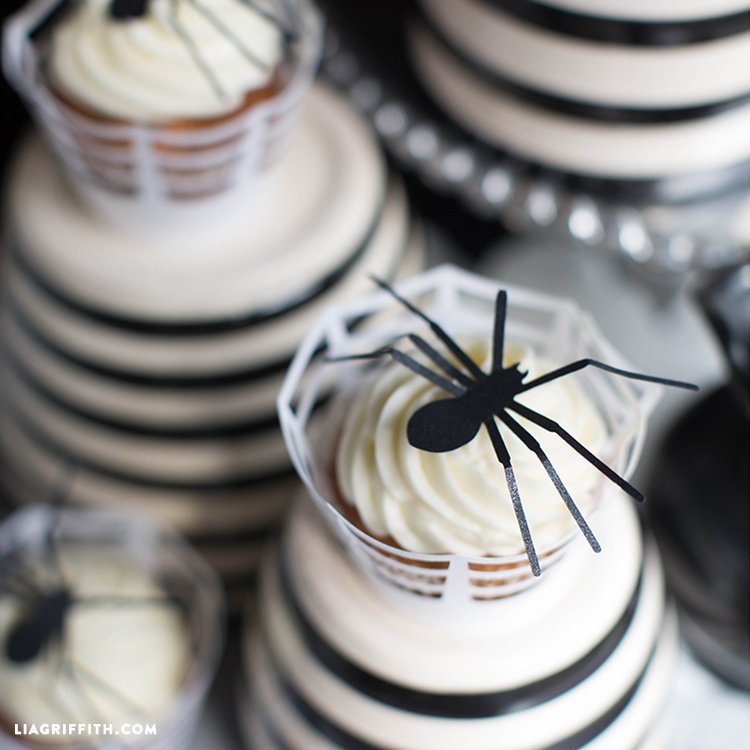Spider_Topper_Cupcakes