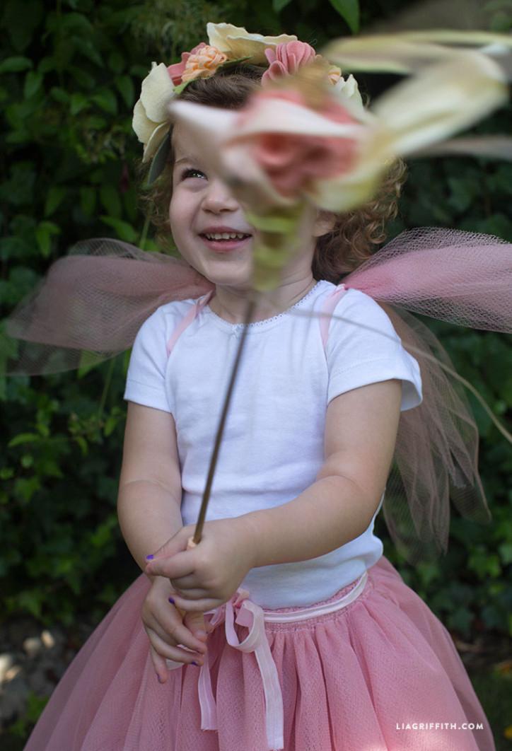 Wand_DIY_Felt_Halloween_Costume_Fairy