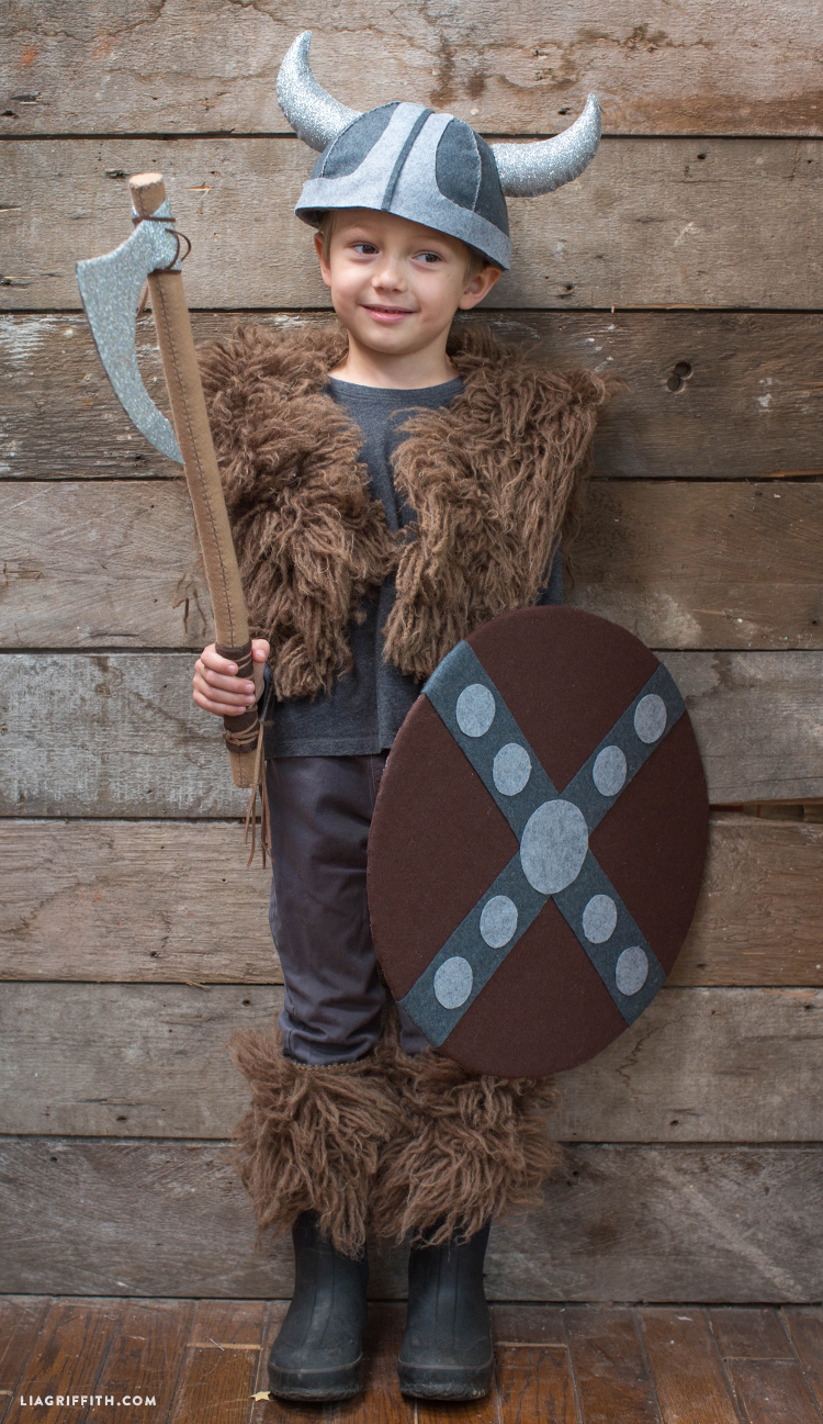 Accessories_Halloween_Viking_Costume_DIY