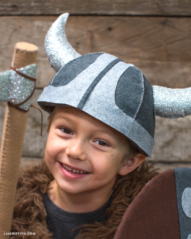 Accessories_Helmet_Halloween_DIY_Viking_Costume