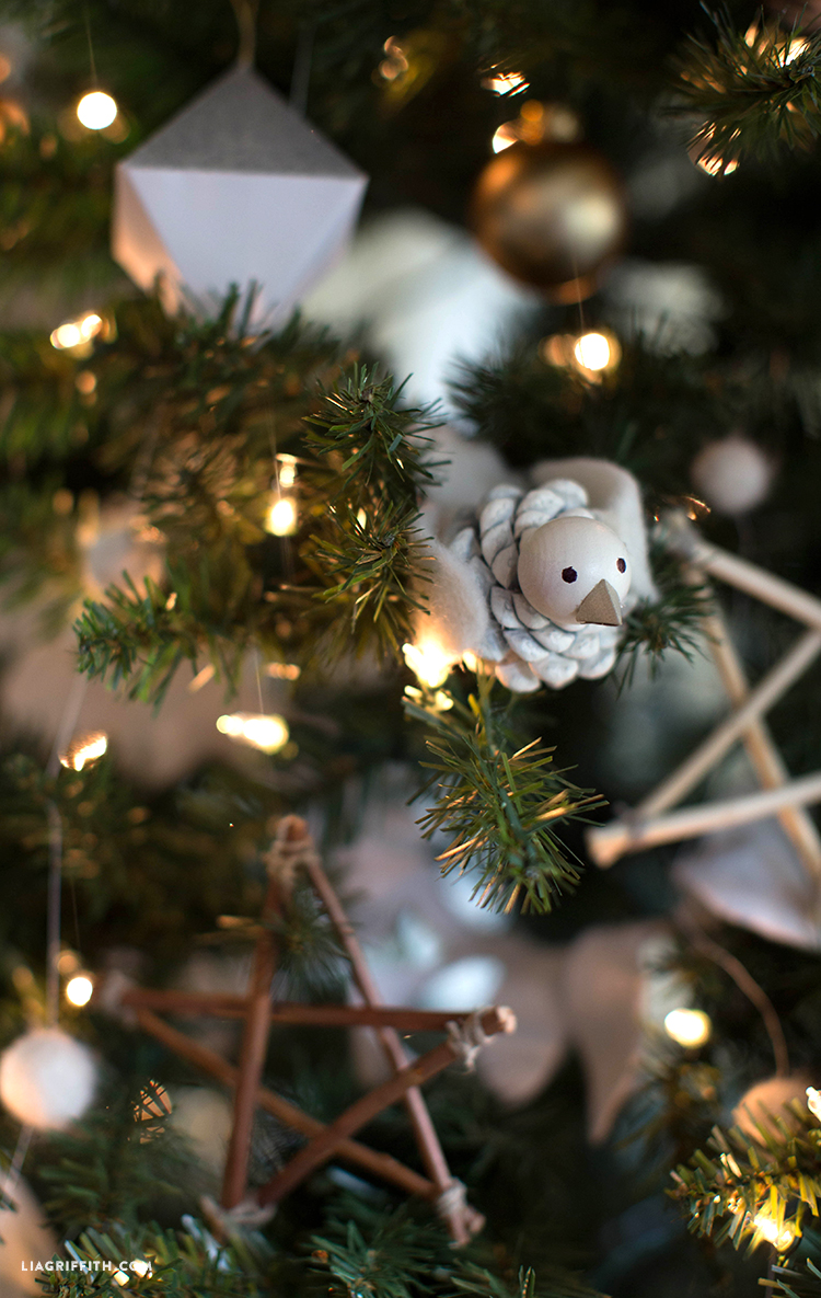 Christmas_Tree_Michaels_Dream_Reveal_Pinecone_Bird_Ornament