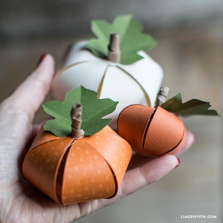 DIY_Paper_Pumpkins