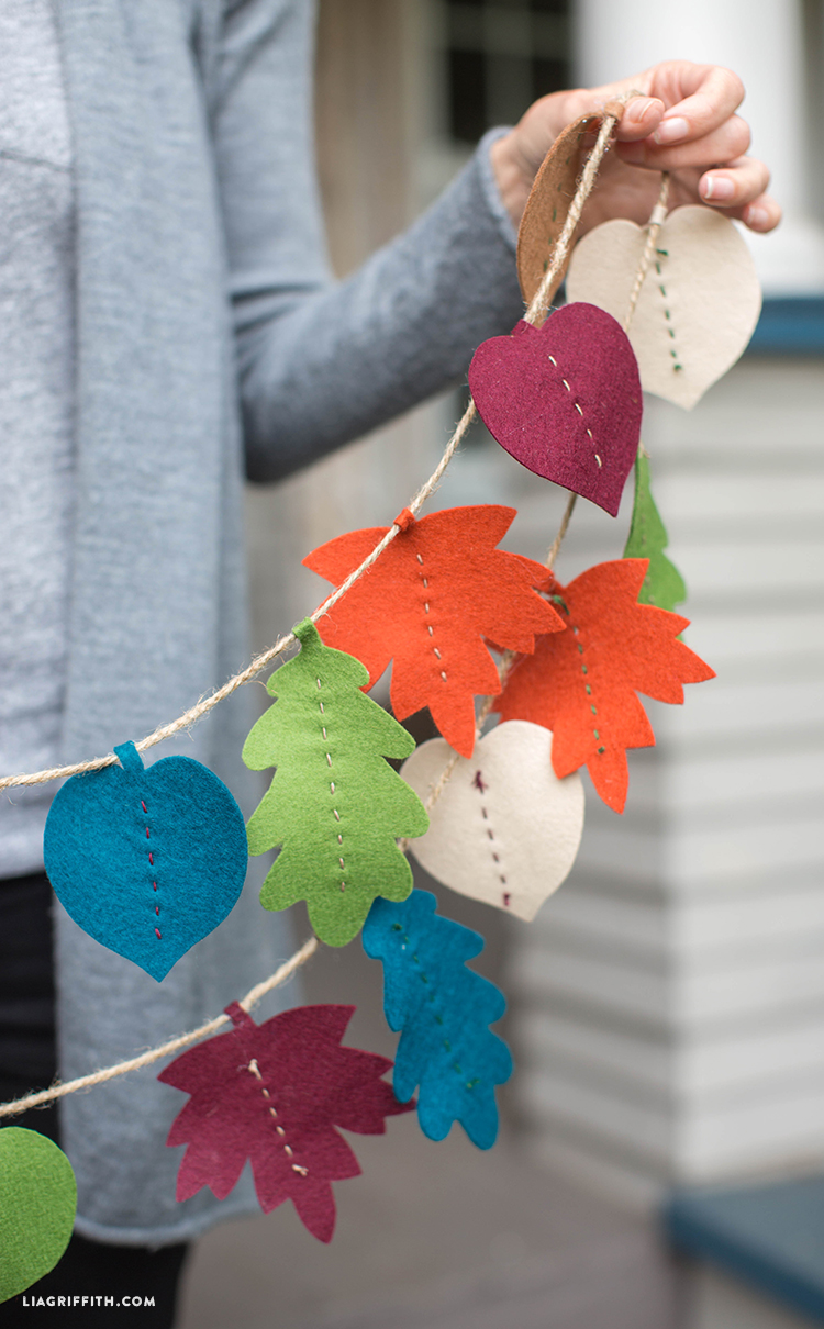 Fall_Felt_Garland_DIY_Leaf