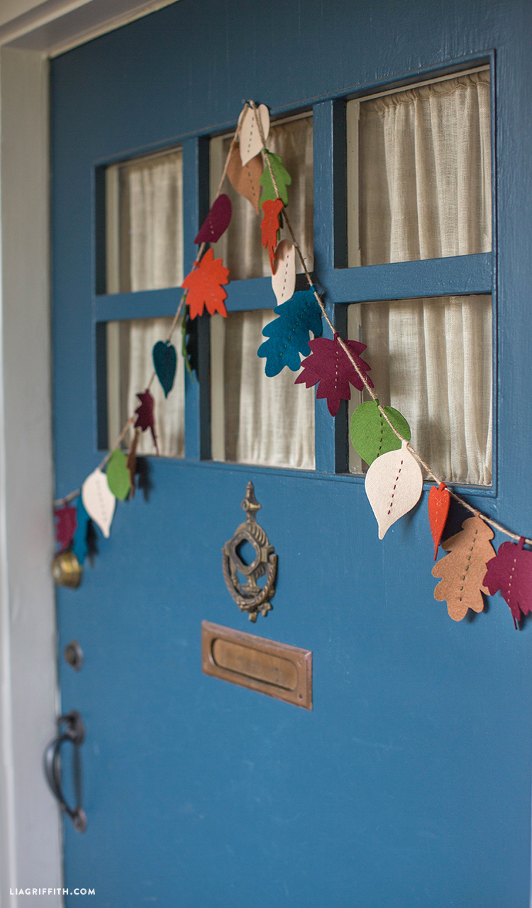 Fall_Felt_Leaf_Garland_DIY