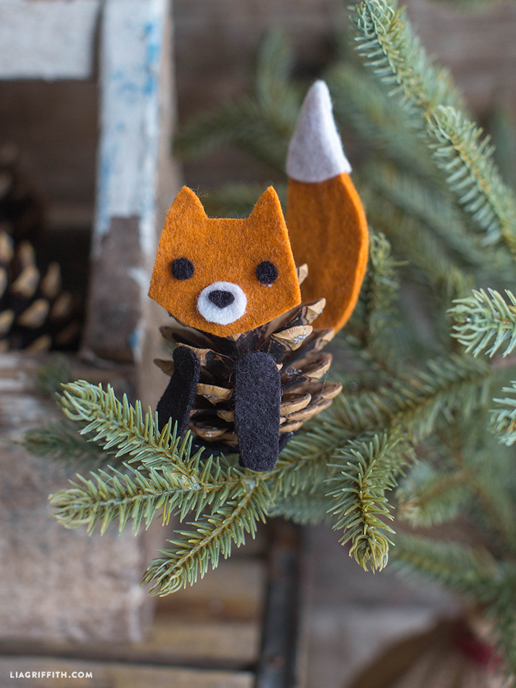 Felt_Fox_Pinecone_Tree