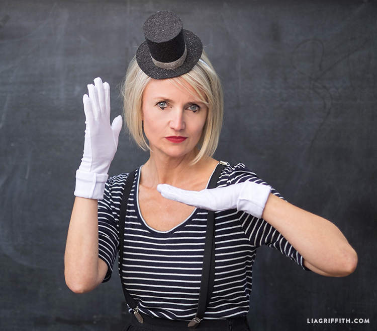 DIY top hat for mime Halloween costume