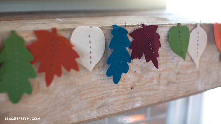 Leaf_Garland_Felt_DIY_Fall