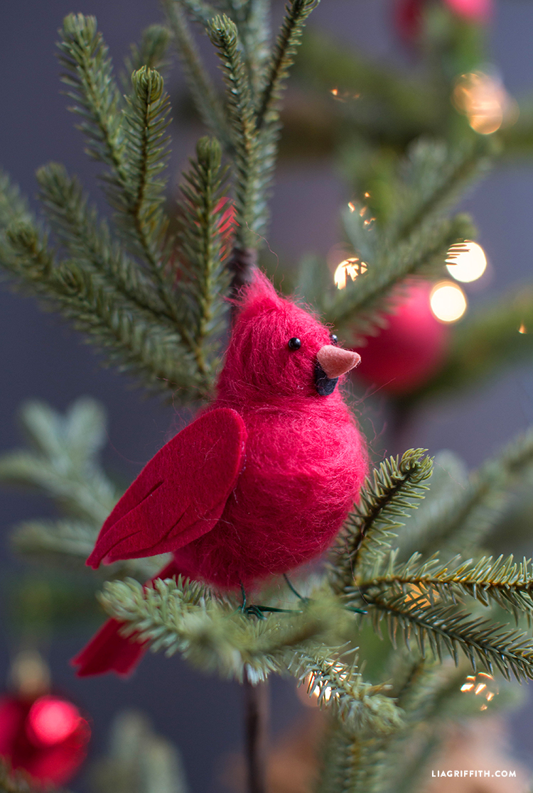 Cardinal_Red_Felted_Bird_Tree