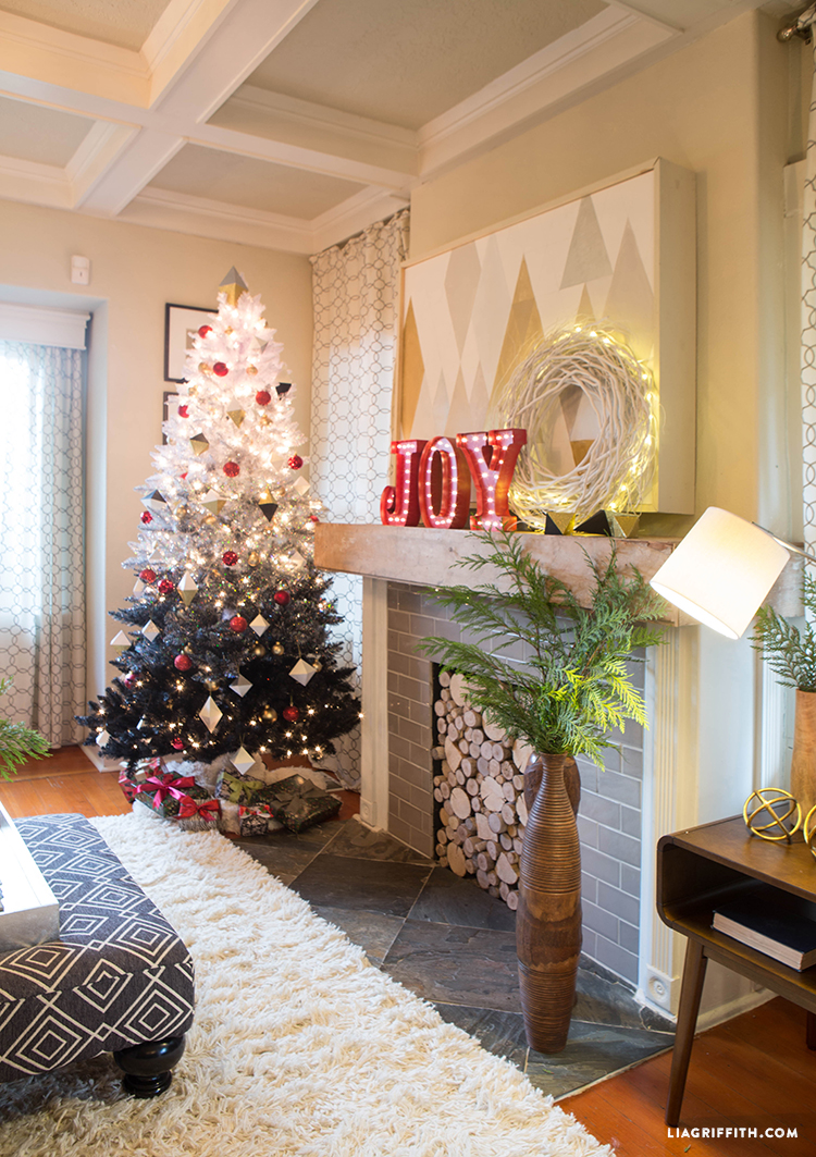 Christmas_Tree_Fireplace