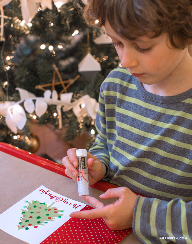 Craft_Holiday_Cards_Kids_Stamping