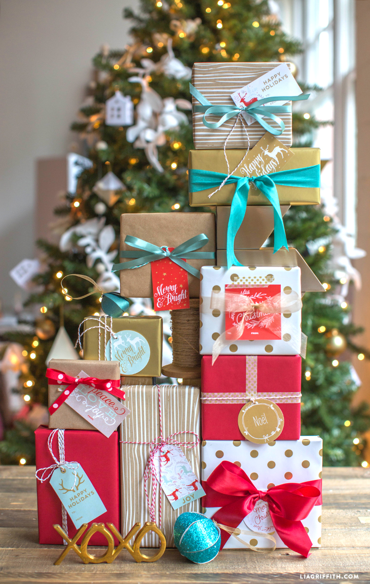 Holiday_Gift_Tags_Stickers_World_Label